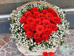 Giỏ hoa hình trái tim - món quà chân thành bày tỏ tình yêu