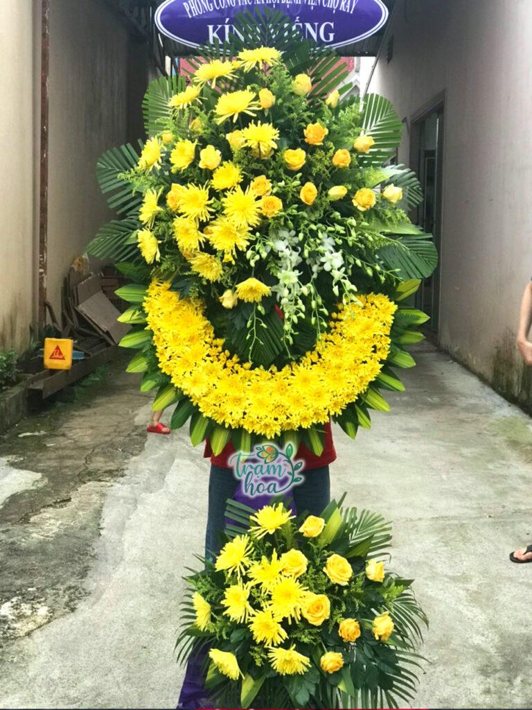 Vòng hoa chia buồn cho người lớn tuổi