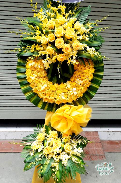 Hoa chia buồn màu vàng