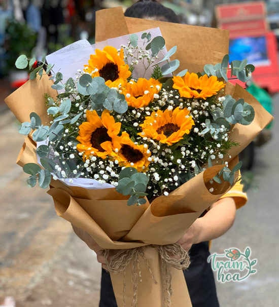 Bó hoa hướng dương đơn giản mừng ngày 8-3