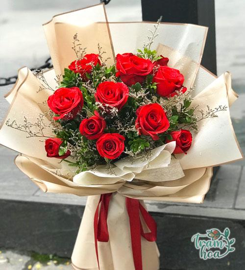 Bó hoa hồng đỏ đơn giản - Minh chứng cho tình yêu mộc mạc