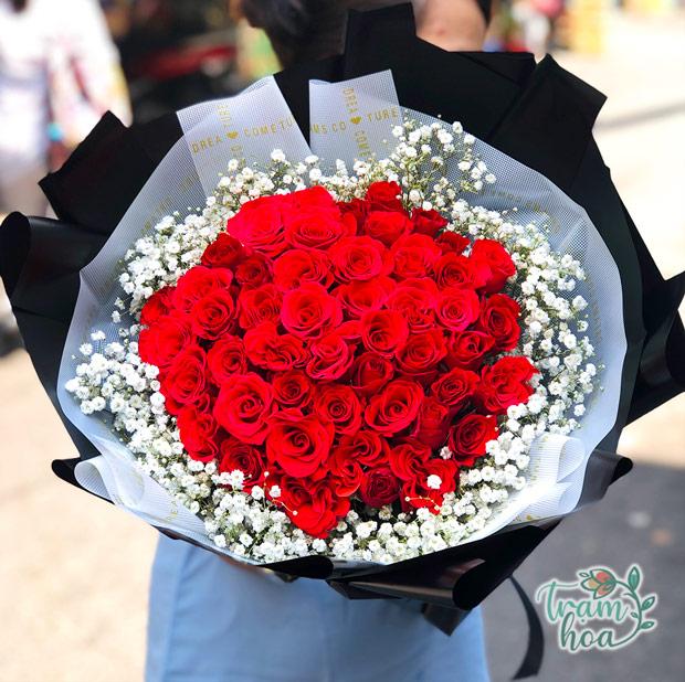 Bó hoa tình yêu – món quà ngọt ngào dành cho nửa kia