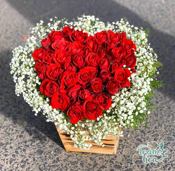 Giỏ hoa hồng trái tim - Tình yêu trọn vẹn