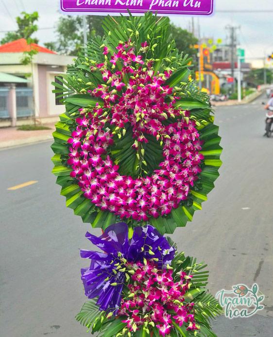 Hoa chia buồn màu tím
