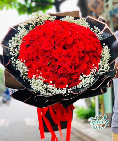 Hoa hồng tặng vợ ngày 20-10