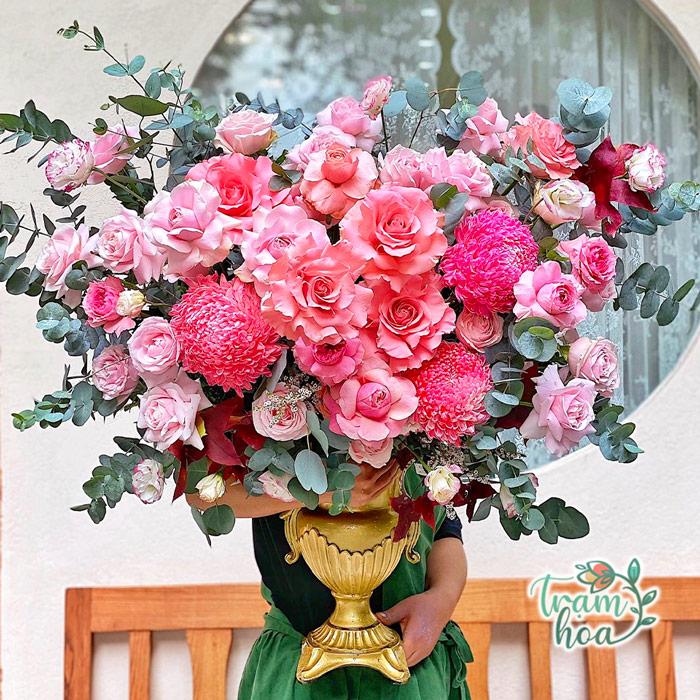 Bình hoa sang trọng và cao cấp trong mọi bữa tiệc